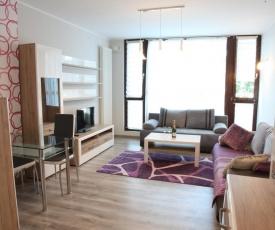Violett Triton Apartment
